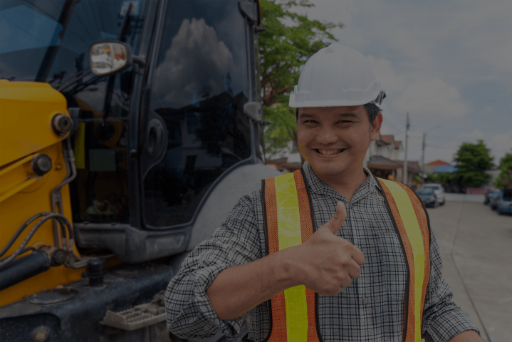 Construction Worker Getting Insurance from EasyWcomp.com